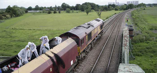 Protesters stops coal train in Britain