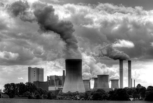 Coal Power Plant south-west of Düsseldorf and Neuss in Germany. Photo by Bruno D Rodrigues.