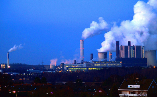 One of the largest producers of carbon dioxide in Europe. The RWE coal-powerplant Weisweiler. Photo credit: Oliver Wald