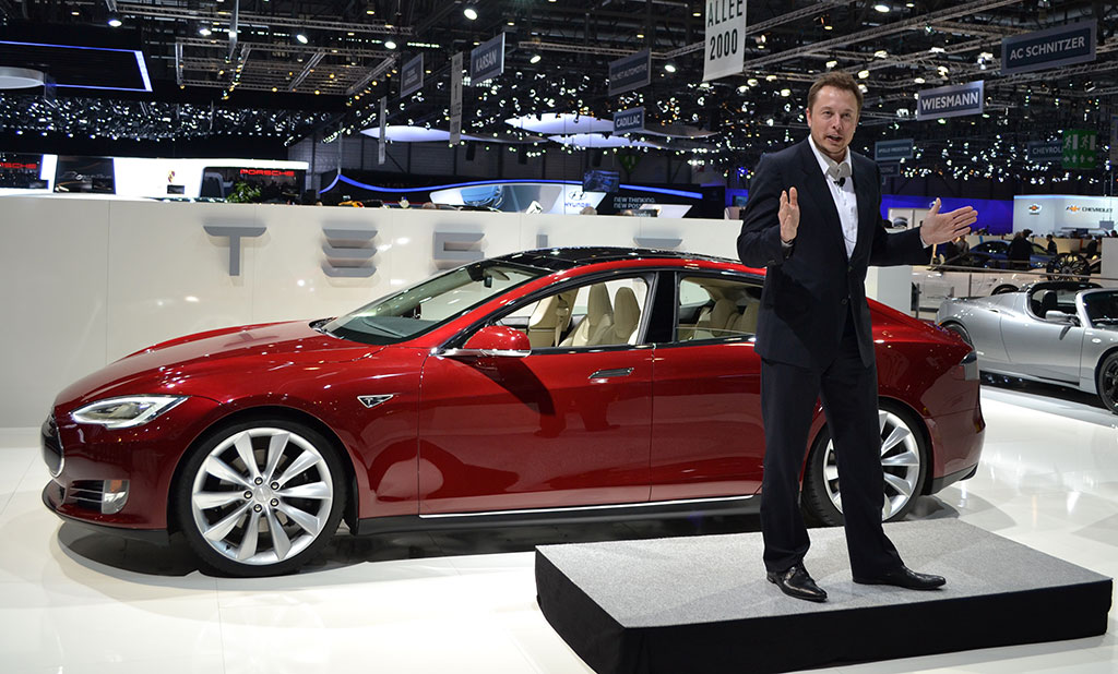 Tesla Motors will allow competitors to use its electric car