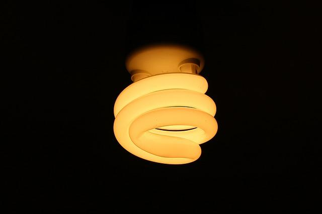 bulb-599692_640.jpg