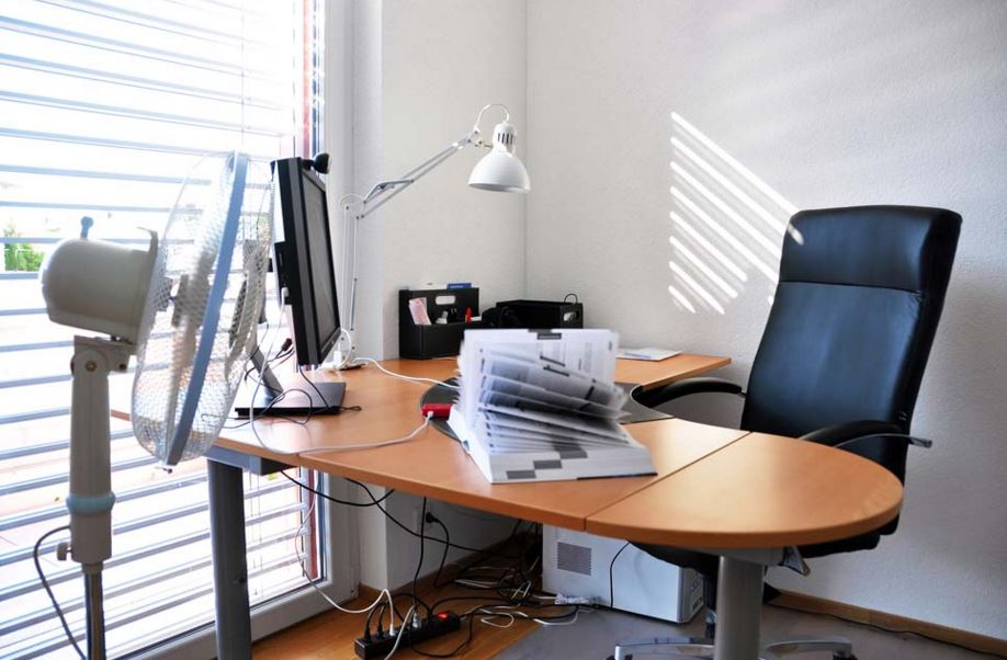 5 Energy Efficient Ways to Keep your Office Warm this Winter.JPG