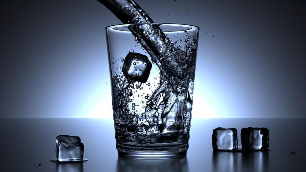 glass-1206584_1280.jpg