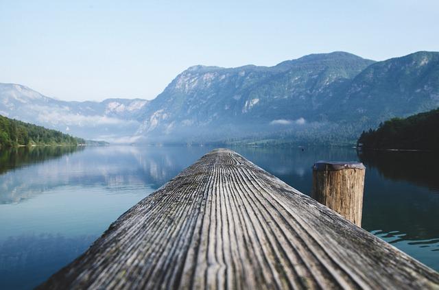 lake-2582649_640.jpg