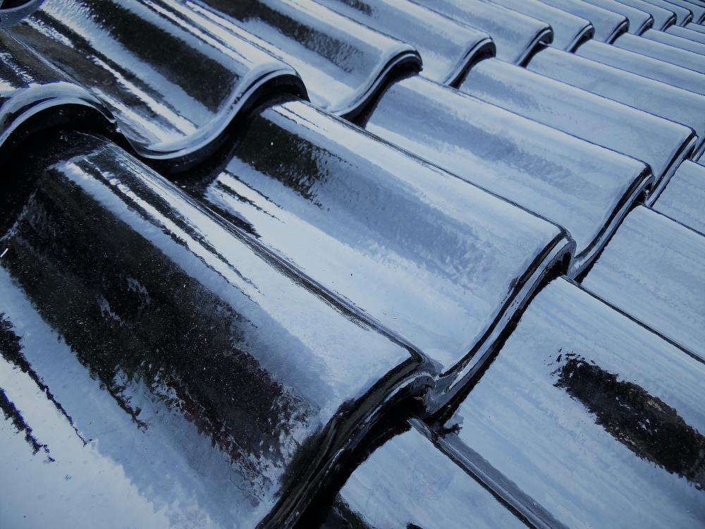 roofing-tiles-2458515_1920.jpg