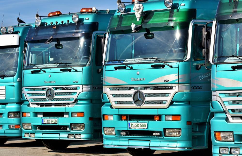 truck-3561413_1920.jpg