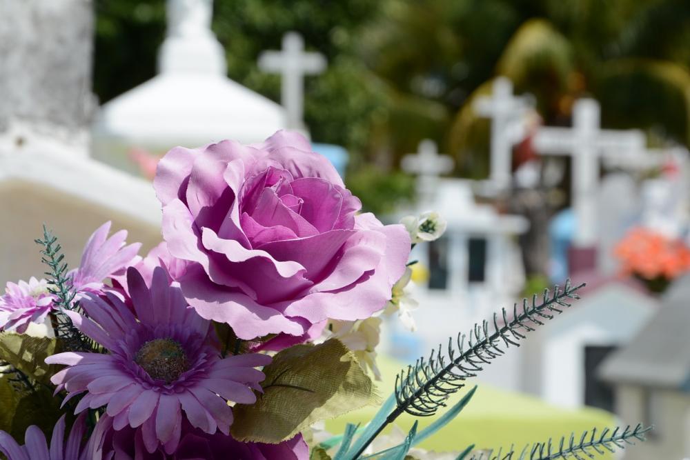 sympathy-floral-arrangement.jpg