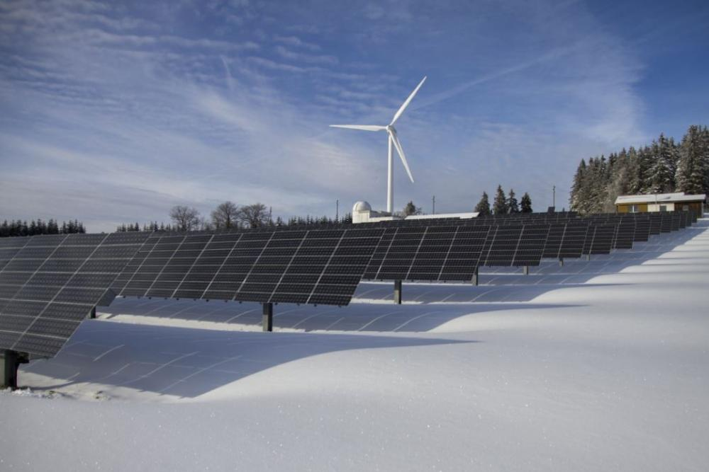 4 Tips to Improve the Efficiency of Your Solar Panels in the Winter.JPG