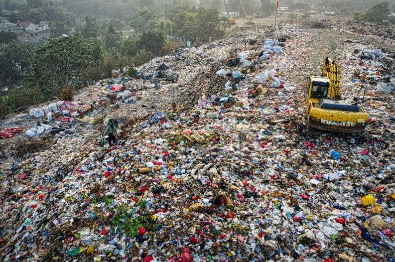 A Dirty Business How Landfills Work to Protect the Earth From Contaminants.jpg